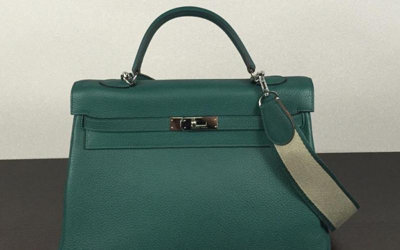 b8bb4ae87980 Формирование ассортимента и выкладка сумок в магазинах - принципы ...
